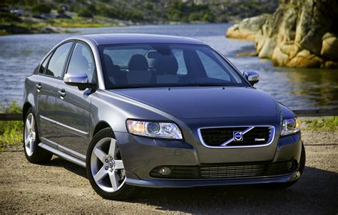 volvo s40 volvo s40 sedan joins v50 wagon in u s cancellation ville
