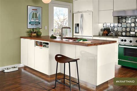 difference between kitchen and bathroom cabinets 28 best kitchen cabinets images on pinterest