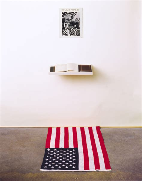 what is the proper way to display a us flag dread