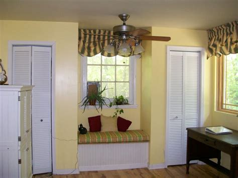 how to add a closet to a small bedroom making a small cottage more livable by remodeling