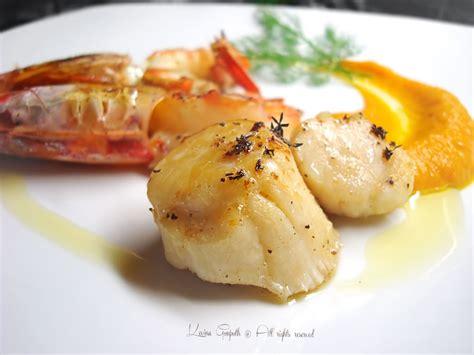 cucinare le capesante capesante e gamberi piatti di mare