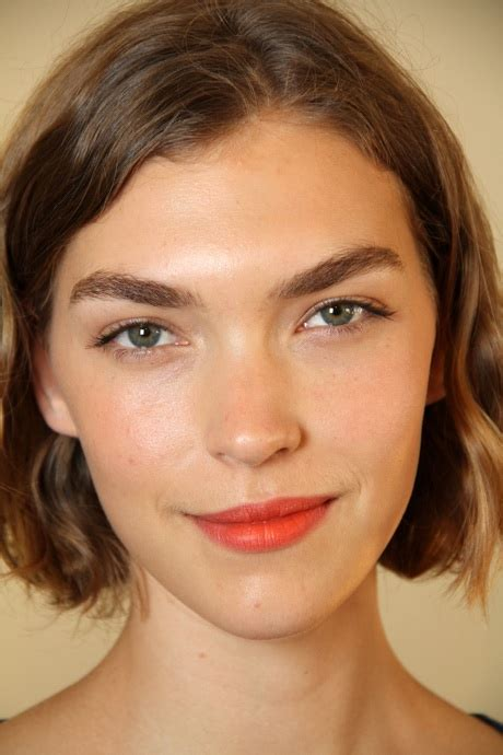 thick eyebrow trend 7beautytips beauty fashion image gallery models with bushy eyebrows