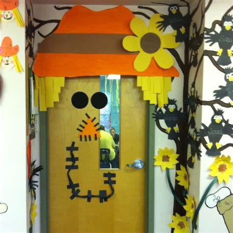 17 best images about entrance on fall door - Fall Door Decorations For Preschool