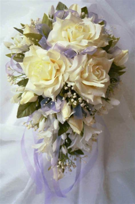 wedding flower arrangements images opinions cascading bouquets planning project wedding forums