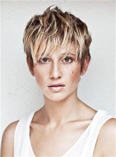 short hair with highligjt lowlight black and blonde chunky highlights for short hair