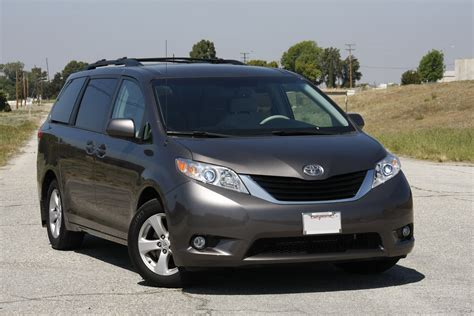 toyota sienna europe 2006 toyota sienna ii pictures information and specs
