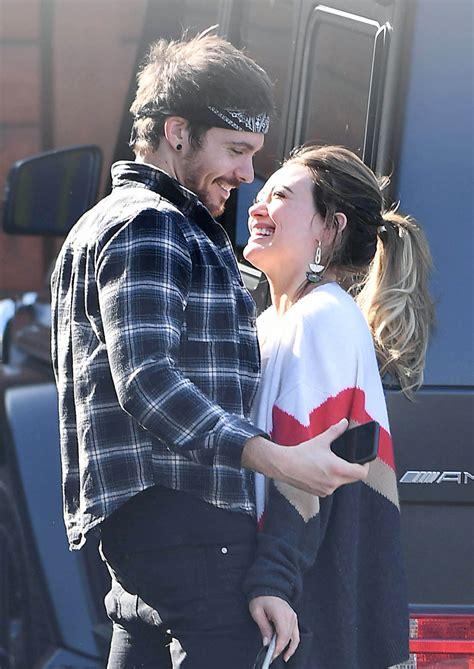 hilary duff kisses boyfriend matthew koma celebmafia