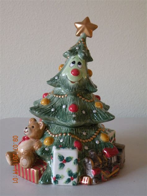 wee christmas tree cookie jar by fitz and floyd by