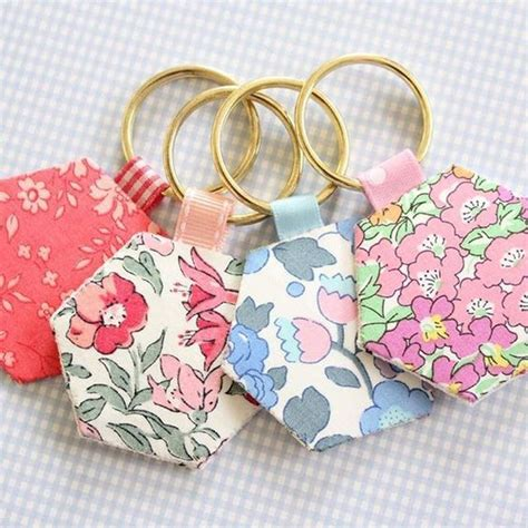 fabric crafts quick scrap fabric ideas hexie keyrings they re such a