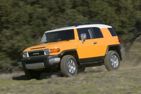 Fj Toyota Toyota To Add Fj Cruiser Suv To Australian Lineup