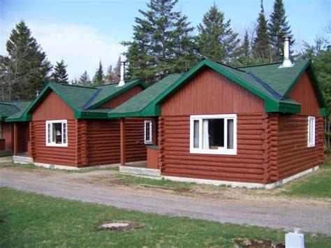 Algonquin Park Cottage by Adventure Lodge