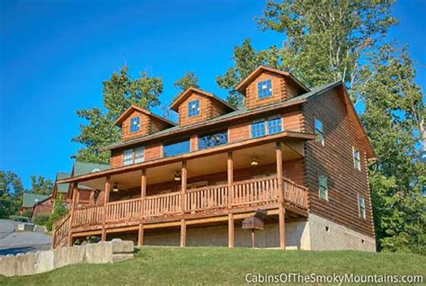 Cabins In Pigeon Forge And Gatlinburg by 6 Bedroom Cabins In Gatlinburg Pigeon Forge Tn