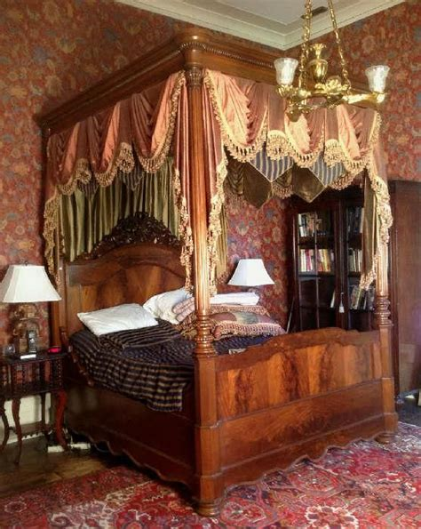 victorian canopy bed 25 best ideas about victorian canopy beds on pinterest