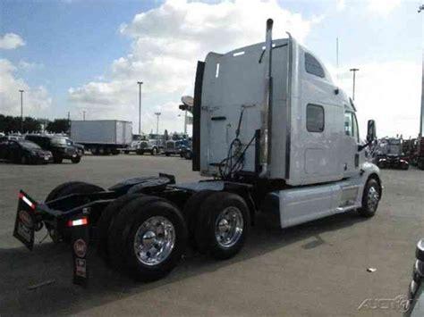 Peterbilt Condo Sleeper by Peterbilt 587 2012 Daycab Semi Trucks