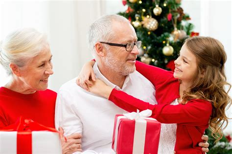 how to make the holiday season special in a senior living
