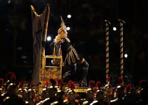 Bowl Halftime Wardrobe by Madonna Dazzles In Cleopatra Like At Bowl
