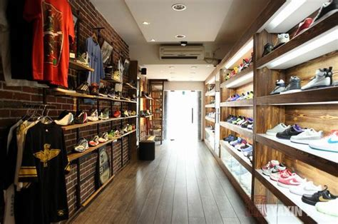 sneaker boutiques yaxin 1990 premium sneaker boutique in china