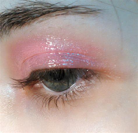 Sprei Eye Pink pink eye makeup
