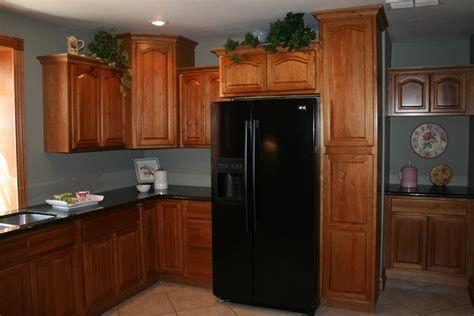 kitchens with hickory cabinets kitchen and bath cabinets vanities home decor design ideas