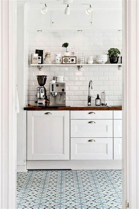 kitchen floor ideas pinterest 25 best ideas about tile floor kitchen on pinterest