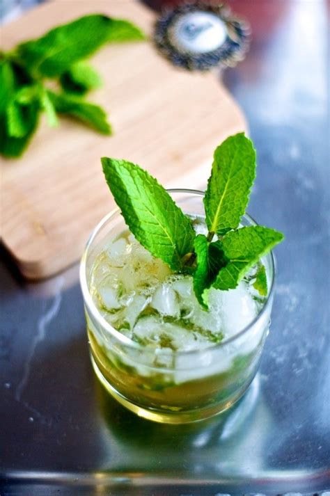 mint julep cocktail mint julep cocktail recipe traditional cocktail