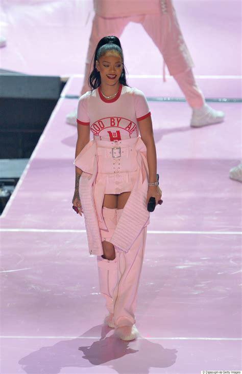 rihanna best dresses a breakdown of rihanna s 2016 mtv vmas the