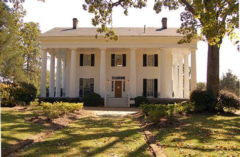 plantation style house antebellum architecture
