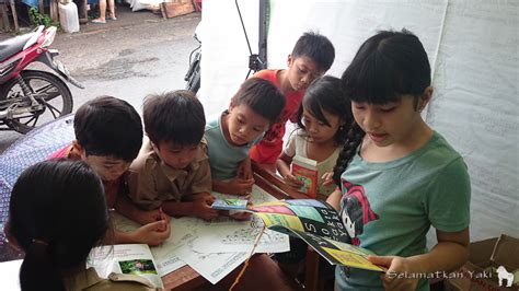Tenda Anak Pasar Gembrong suarakan penyelamatan yaki aktivis buka tenda informasi di pasar airmadidi mongabay co id