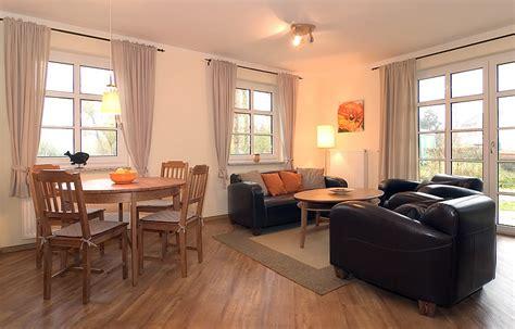 Orange Wohnzimmer by 3 Zimmer Ferienwohnung Orange Eg Haus Emily In Wustrow