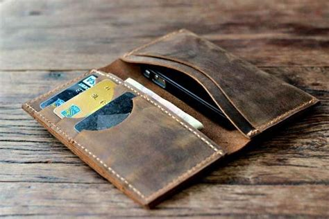 Iphone Handmade - joojoobs handmade iphone 5 leather wallet gadgetsin
