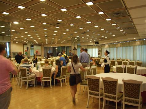 hotel dining room file yanggakdo international hotel dining room jpg