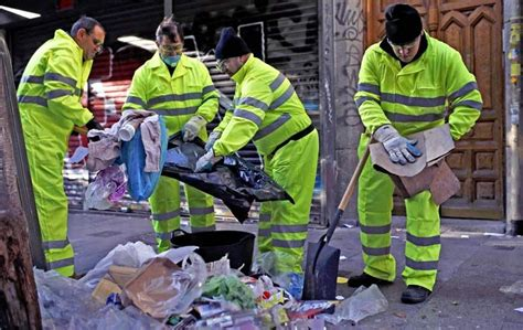 st cleaner madrid cleaner strike leaves city in rubbish