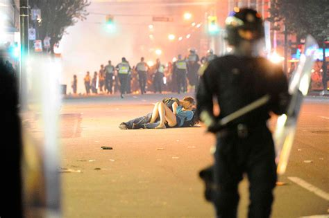 Vancouver Riot Kiss Meme - 20 interesting facts about love bored panda