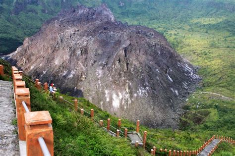 wisata gunung kelud  kediri jawa timur