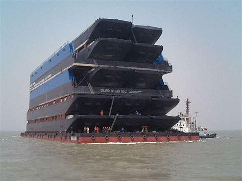 boat hotel definition barge definition