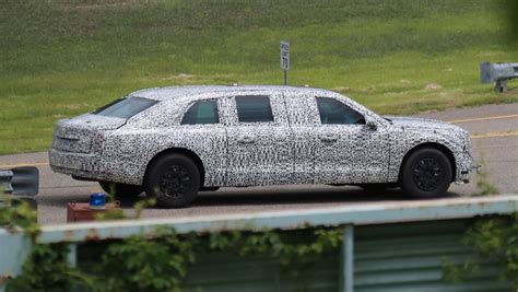 new limousine car s new presidential limo spied car news carsguide