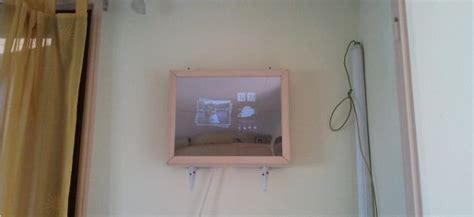 diy int 233 gration d un 233 cran de serveur dans un cadre avec miroir sans tain semageek
