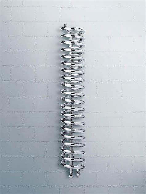 radiador toallero runtal runtal lanza en espa 241 a el radiador toallero spirale