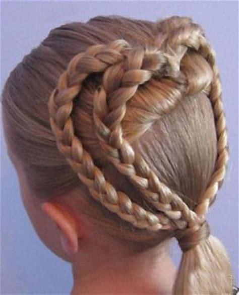 hair desings with plated hair 怎样给七岁的女孩编好看的发型 小孩编辫子发型扎法图解 5 发型师姐