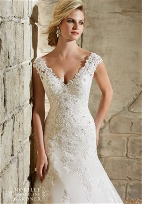 the different wedding dress necklines and a guide to what