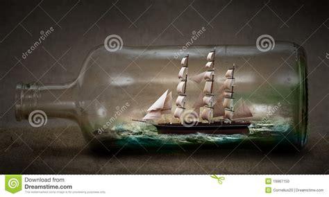 schip in fles kopen schip in een fles stock illustratie afbeelding bestaande