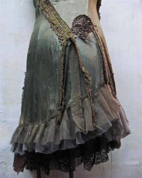 Gibbous Fashions by 98 Best Images About Altered Artists On