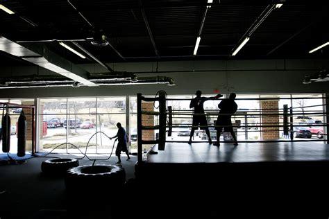 boxing wallpaper for bedrooms boxing gym wallpaper wallpapersafari