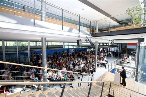 Bewerbung Hochschule Der Medien Stuttgart Hochschule Der Medien Verabschiedet 313 Absolventen