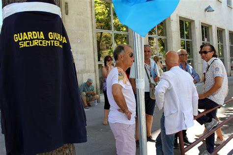 sede inps foggia protesta lavoratori sicurcenter quot cosmopol non rispetta le