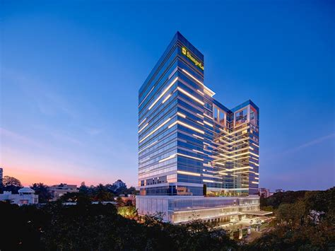 Shangri-La Hotel, Bengaluru, Bangalore, India - Booking.com