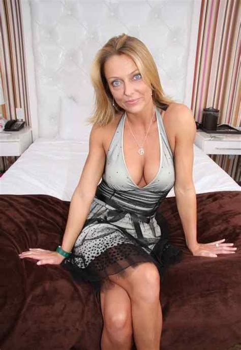 blonde moms spread slit 1000 images about milf on pinterest latinas sexy and