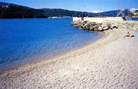porto azzurro spiagge pianotta