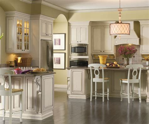 cream kitchen cabinets with glaze cream cabinets with glaze kemper cabinetry