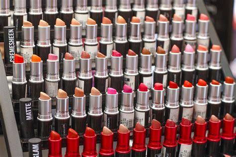 Lipstick Store mac cosmetics now in megamall kellymisa